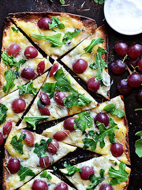flatbread-grilled-grape-pizza-480